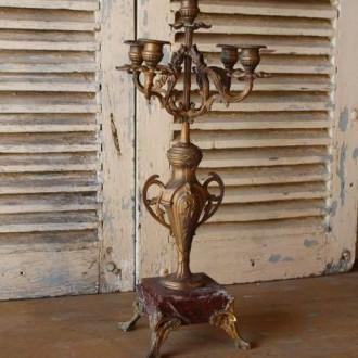 Antieke bronzen kandelaar met vier armen