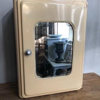 Metalen medicijnkastje badkamerkastje met spiegel