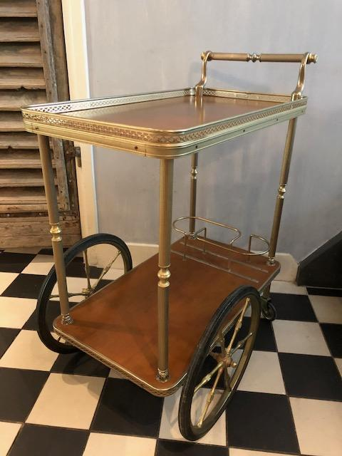 vintage dranken trolley bar cart