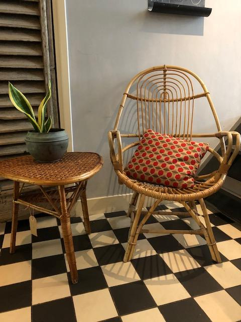 vintage rotan fauteuil frans met bijzettafeltje