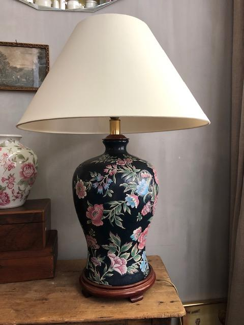 grote tafellamp vaaslamp met bloemen