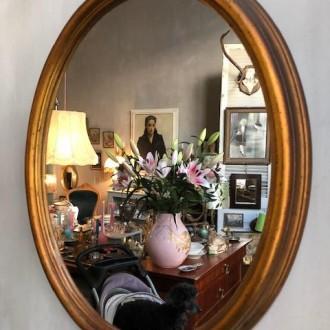 Ovale gouden spiegel