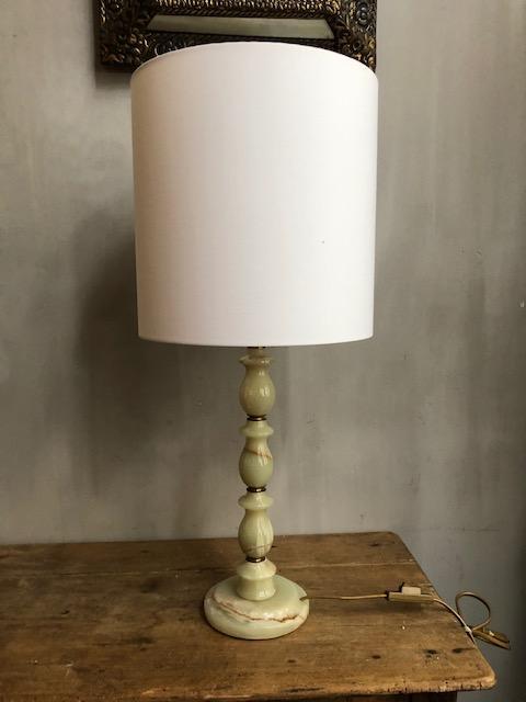 stijlvolle onyx tafellamp