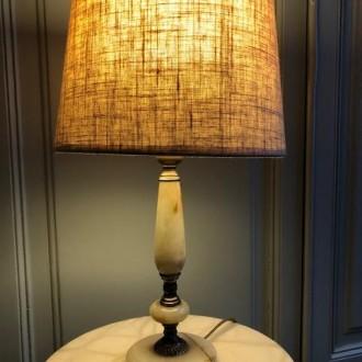Onyx tafellamp met ovale linnen kap