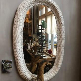 Vintage of retro rotan ovale spiegel