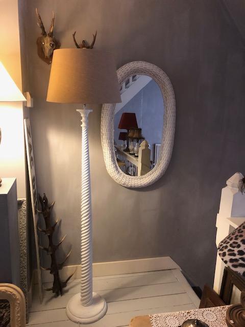 Brocante houten vloerlamp