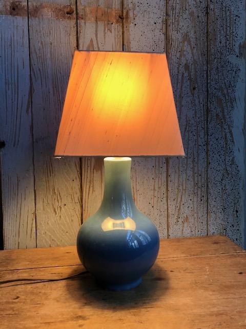 Brocante blauw tafellampje