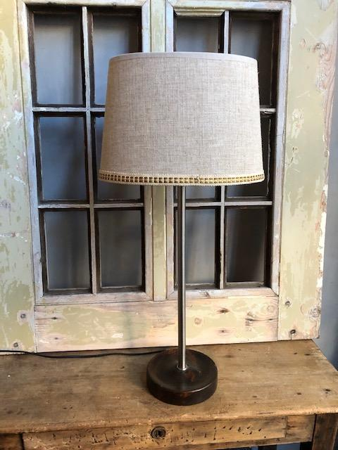 Retro tafellamp met linnen kap