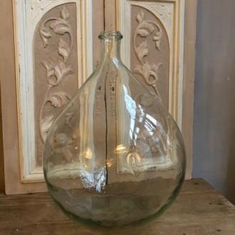 Grote bolle transparante gistfles van 20 liter