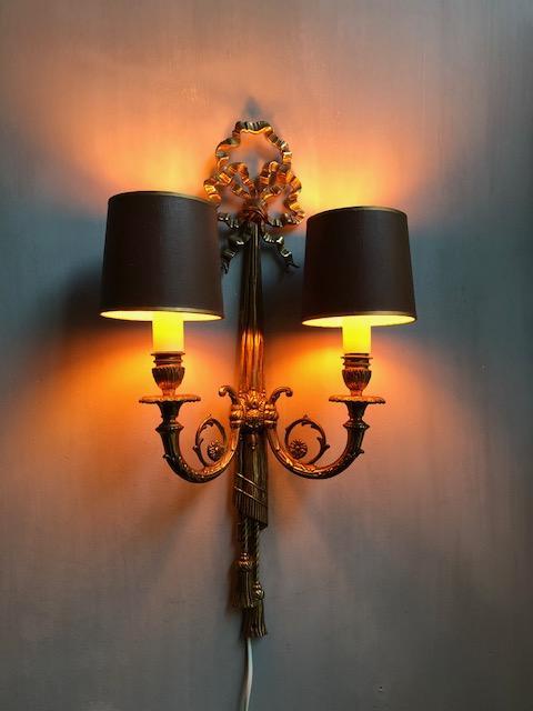 klassieke messing wandlamp met strik