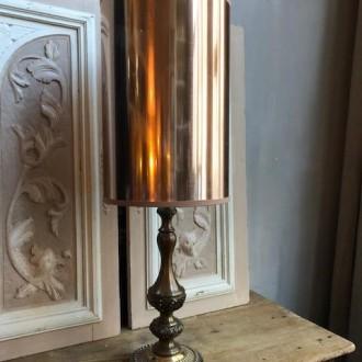 Brocante metalen lamp met rechte rosé kap