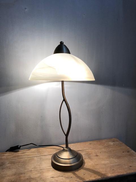 messing tafellamp met glazen kap