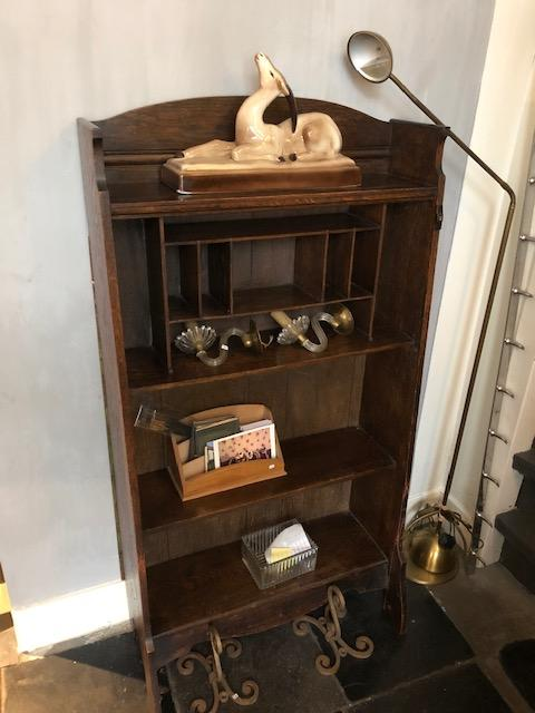 Antiek boekenkastje