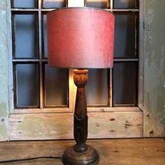 Landelijke houten tafellamp met nieuwe velours kap