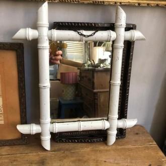 Vintage faux bamboe spiegeltje aan ketting (34 x 40 cm)
