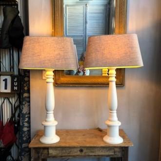 Set grote landelijke tafellampen met linnen kap