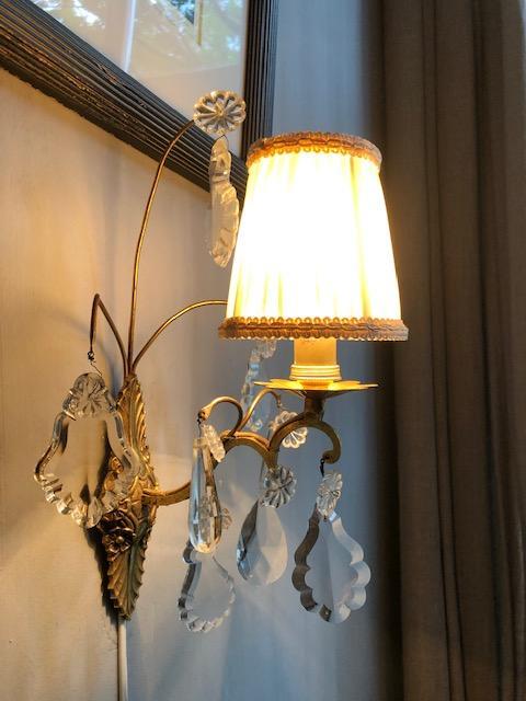 Antiek Frans wandlampje met pegels