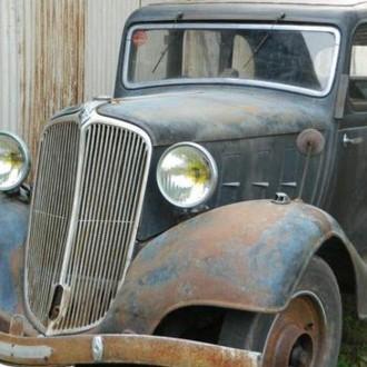 Auto grill van Renault Vivaquatre (1932-1939)