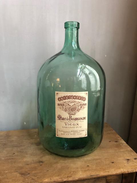 Grote oude Franse fles met etiket