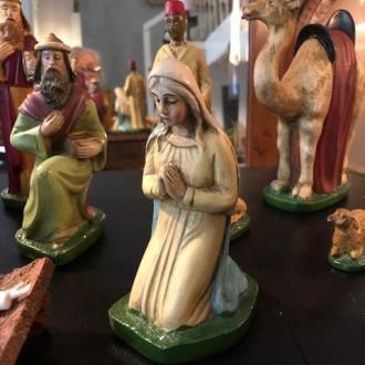 Vintage kerst beeldengroep met stal