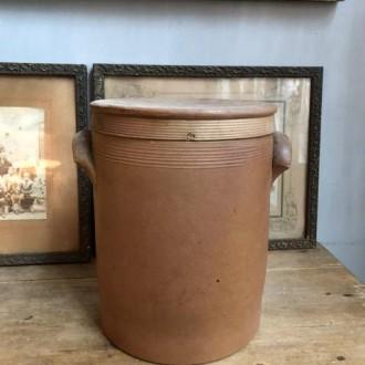 Sale: Oude Franse gres pot met deksel (hoog 25 cm)