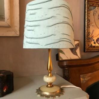 Onyx en messing tafellampje met zijde kap (zeegroen)