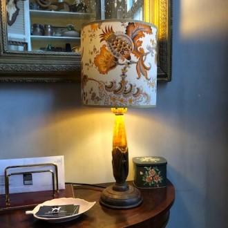 Houten tafellamp met botanische kap