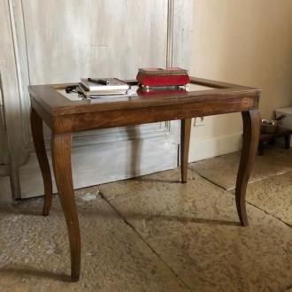 Bijzondere salontafel of bijzettafel met spiegel top
