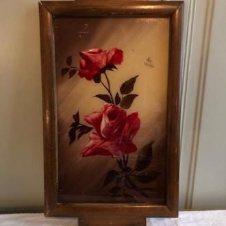 Vintage houten dienblad met rozen onder glas