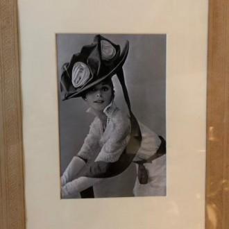 Van schoolfoto naar portret van Audrey