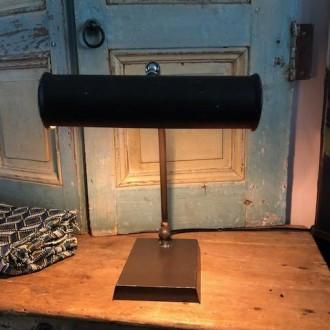 Art deco of vintage bureaulamp
