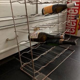 Frans zinken wijnrek voor 36 flessen