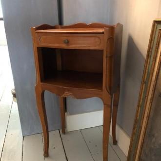 Brocante houten kastje | Verkocht